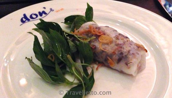 Shrimp & Pork In Crisp Egg Pancake with Rice Paper Wraps