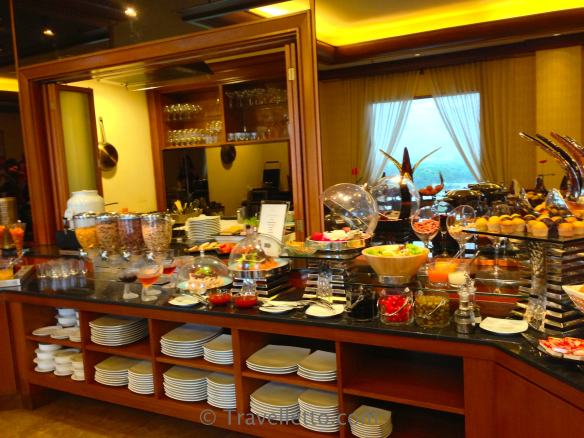 Breakfast buffet on the premium floor